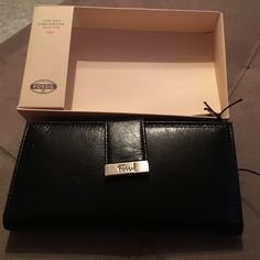 Fossil brand new in box Black leather brand new fossil wallet with change compartment and multiple credit card slots- leather checkbook clutch Fossil Bags Wallets
