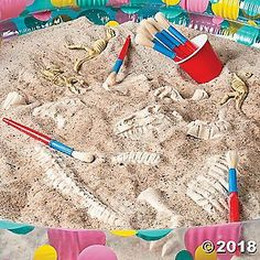 Dino Dig Project Idea Use this dinosaur party game idea for your kid's next birthday party! If you're planning a Dinosaur themed birthday party for your little one, this … Dinosaur Party Games, Toddler Party Games, Birthday Party Games For Kids, Dinosaur Birthday Party, First Birthday Parties, Birthday Party Themes, Dinosaur Dig, Elmo Party, Mickey Party