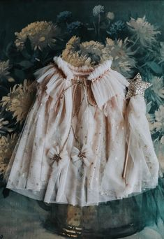 Filles Alternatives, Toddler Outfits, Kids Outfits, Girls Cape, Fancy Dress For Kids, Dress Up Dolls, Baby Girl Fashion, Diy Clothes, Diy Fashion