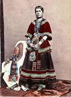 Native American Indian Pictures: Iroquois Indian's Clothing Gallery of Canada and New York Native American Clothing, Native American Pictures, Native American Beauty, Indian Pictures, Native American History, Native American Indians, Canadian Clothing, Seneca Indians, Huron Indians
