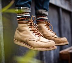 Redwings and Chups.like peas and carrots. boots - 8173 moc toe socks - denim - mostly found Mens Boots Fashion, Sneakers Fashion, Red Wing Moc Toe, Men's Shoes, Shoe Boots, Man Boots, Wing Shoes, Bon Look, Estilo Denim