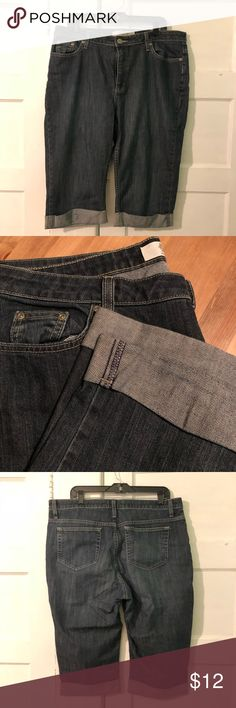 "Jean Capri Pants Excellent used condition. 99% cotton. 1% spandex. Home is smoke free and cat friendly. Bundle with other items in my closet for an even better deal!  18.5"" across waist 16.5"" inseam 29"" long Merona Jeans Ankle & Cropped"