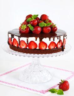 Maasika-šokolaaditort ‹ Perenaine.ee