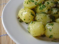 Technicolor Kitchen - English version: Two side dishes worth trying: Jamie's potato salad and Martha's roasted asparagus