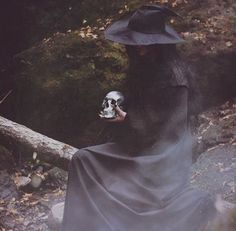 Pinterest: @MagicAndCats ☾  Witchy Autumns