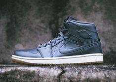 Air Jordan 1 Mid Nouveau - Cool Grey - Gum - SneakerNews.com