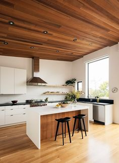 Malcolm Davis Architecture Bright San Francisco Home Tour Wood Paneling Ideas On The Kitchen Island And Ceiling Home Decor Kitchen, Interior Design Kitchen, Home Kitchens, Kitchen Ideas, Open Kitchen And Living Room, Kitchen Modern, Casas Containers, San Francisco Houses, Wooden Ceilings