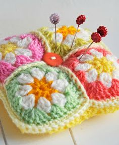 Helen Philipps: Autumn Inspiration - nice use of left over granny squares Crochet Pincushion, Crochet Cushions, Pin Cushions, Crochet Motifs, Crochet Squares, Crochet Patterns, Granny Squares, Tatting Patterns, Crochet Home