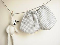 Bebé verano lino Cacheteros, cuadros gris y blanco. Tamaño de 12 a 18 meses. Listo para enviar