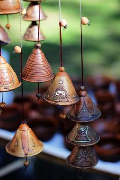 New Absolutely Free Pottery Handmade wind chimes Ideas 600 × 900 Pixel – Clay – Ceramics Projects, Clay Projects, Clay Crafts, Ceramic Clay, Ceramic Pottery, Pottery Art, Mccarty Pottery, Slab Pottery, Mobiles