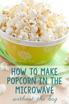 How to make popcorn in the microwave without buying those pre-packaged bags! -expensive, processed and all those chemicals! Fish Recipes, Appetizer Recipes, Snack Recipes, Cooking Recipes, Appetizers, Homemade Microwave Popcorn, Microwave Recipes, How To Make Popcorn, Popcorn Recipes