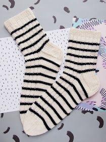 Knitting Socks, Knit Crochet, Slippers, Fashion, Knit Socks, Moda, Fashion Styles, Ganchillo, Slipper