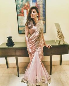 Modern saree draping styles by celebrity stylist Dolly Jain, saree draping styles for party, latest saree draping styles to look slim Saree Designs Party Wear, Party Wear Sarees, Saree Blouse Designs, Blouse Patterns, Saree Gown, Sari Dress, Satin Saree, Saree Wearing Styles, Saree Styles