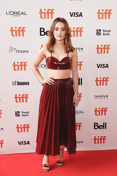 Kaitlyn Dever at an event for The Front Runner Young Actresses, Hot Actresses, Nancy Travis, Beautiful Celebrities, Beautiful Women, Alicia Witt, Kaitlyn Dever, Emma Watson Sexiest, Sarah Hyland