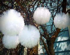 HALL DECOR - White pom poms as snow