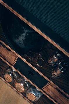 Twain trunk / design Gian Paolo Venier, Adriano Riosa, Fabio Marzan, Dario Marzan x Ivory Collections #Gianpaolovenier #IvoryCollections #TwainTrunk #Trunk #MadeInItaly #Corian #Furniture #FurnitureDesign