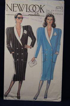 Un nouveau Look Maudella motif de couture des années 80 pour une robe manteau en tailles 8 - 18. Jadore cette illustration qui pose un regard