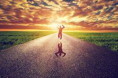 Aperfeiçoar a si mesmo trilhando o caminho do autodesenvolvimento é a grande tarefa daqueles que querem melhorar como seres humanos. Texto de Paulo R. Käfer