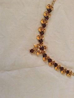 Indian Jewelry Earrings, Jewelry Design Earrings, Gold Earrings Designs, Bridal Jewelry, Gold Chain Design, Gold Bangles Design, Gold Jewellery Design, Gold Necklace Simple, Gold Jewelry Simple