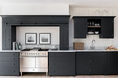 This Suffolk kitchen by Neptune is one of Beautiful Kitchens favourite Shaker kitchens. Pared down to suit homes of all styles, and finished in a lovely dark, brooding grey. Shaker Style Kitchens, Shaker Kitchen, Kitchen Units, White Kitchen Cabinets, New Kitchen, Home Kitchens, Kitchen Decor, Kitchen Ideas, Dark Kitchens