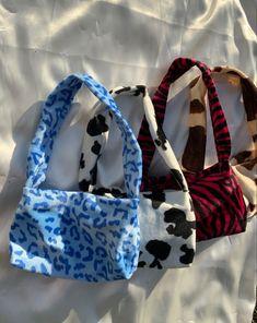 Diy Fashion, Fashion Bags, Ideias Fashion, Aesthetic Bags, Aesthetic Clothes, 90s Aesthetic, Indie Outfits, Cute Outfits, Mode Pastel