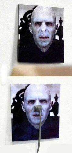 Funny pictures about Lord Voldemort Outlet. Oh, and cool pics about Lord Voldemort Outlet. Also, Lord Voldemort Outlet photos. Memes Do Harry Potter, Harry Potter Fandom, The Meta Picture, Fantastic Beasts, Funny Pictures, Funniest Pictures, Funny Pics, Funny Stuff, Random Pictures