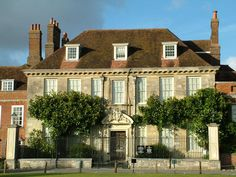 Google Image Result for http://www.built.org.uk/photographs/south-west_files/Salisbury-Wilts-Mompesson-House.jpg