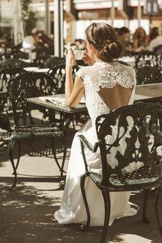 """Vestido Valeria """"Memories of Madrid"""" Campaña nueva colección vestidos de novia Beba's Closet www.bebascloset.com Foto @pipi_hormaechea Peluquería y maquillaje @reginacapdevila Joyas @beatrizpalacios_jewelry"""