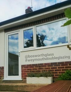 Another quality installation,  Rehau Total 70 Upvc window and door combination installed in Broadstone,  Poole, Dorset.  Call 01305 769227  Or visit www.bosworthglass.com