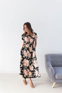 A floral-lovers dream! We can't get enough of our Fay's Floral Dresses. They come in cream and black accented with a gorgeous peach color. It makes us ready for fresh fruit and warm weather!