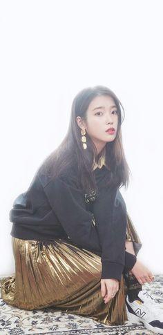 Iu Fashion, Celebs, Celebrities, Beautiful Asian Girls, Korean Beauty, Sequin Skirt, Tulle, Kpop, Skirts