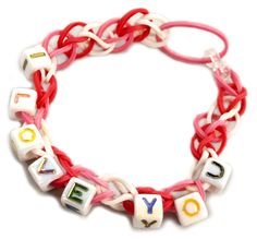 Personalized Stretch Band Bracelets #kids #crafts #stretchband #loopband #loombracelet