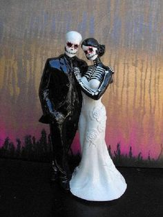 Wedding Cake Ideas Wedding Cake Topper Day of the Dead Skeleton Couple Bald Groom Couples Halloween, Diy Halloween, Halloween Costumes, Halloween Decorations, Wedding Dress Chiffon, Biker Wedding Dress, Wedding Dresses, Bridesmaid Dresses, Star Wars Party