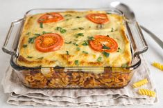 Vegetarian moussaka pasta bake - rich tomatoey pasta, griddled aubergine (eggplant) and a thick and creamy bechamel sauce! All the flavours of your favourite moussaka, with extra pasta. Vegetarian Greek Recipes, Vegetarian Cookbook, Veggie Recipes, Meatless Recipes, Fun Cooking, Cooking Recipes, Greek Vegetables, Greek Dishes, Moussaka