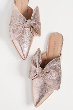 Women shoes Flats Zapatos - Cute Women shoes Summer Outfits - Women shoes For Work Business Outfit Ideas - Women shoes High Heels Pump Style - Clogs Shoes, Mules Shoes, Shoe Boots, Shoes Heels, High Heels, Bridal Shoes, Wedding Shoes, Bridal Footwear, Mule Plate