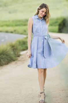 This gingham midi dress is giving us major heart eyes! We love how classic, yet feminine and chic this piece is and just how flattering it is with its fitted top and swing skirt! From the structured c