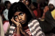 At a Tent near You (depuis 2008) d'Amit Madheshiya (Inde). Photoquai 2013. Vu le 21 et 26 septembre 2013.