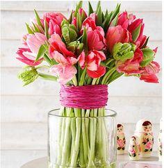 Tulpaner är ett säkert vårtecken. Inspireras av fem vackra arrangemang
