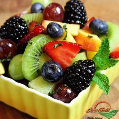 Sağlığınız için ara öğünlerinizi meyve salatalarıyla geçiştirmelisiniz. #sivasbirliktarim #araogun #meyve #salata #meyvesalatasi