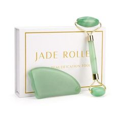 Relax daily by massaging your skin with our Jade Stone Face Massage Roller and Gua Sha Tool. The amazing benefits of using Jade stone on your face reduce impurities which gives you more radiant and glowing skin. Rollers, Le Jade, Jade Green, Gua Sha Tools, Jade Crystal, Dark Under Eye, Jojoba, Les Rides, Face Massage