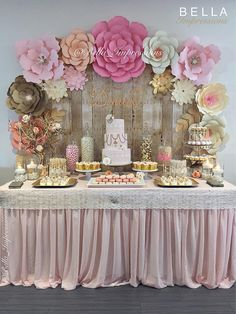 17 pcs PAPER FLOWER BACKDROP All flowers in image