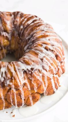 Monkey Bread - from scratch! This classic Monkey Bread recipe is made with yeast dough (the best way!), coated in cinnamon and sugar and baked to golden caramel perfection. Make ahead and freezer friendly! Homemade Monkey Bread, Cinnamon Monkey Bread, Cinnamon Rolls, No Bread Diet, Best Keto Bread, Bread Food, Make Ahead Breakfast, Overnight Breakfast, Breakfast Recipes With Yeast