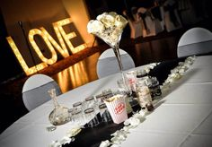 Hollywood themed wedding decor. Available to hire at www.sellmywedding.co.uk