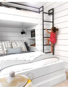 Bunk bed with double bed downstairs and two single beds over it. Photo by Lucent Lightshop (vi . - Bunk bed with double bed downstairs and two single beds over it. Photo by Lucent Lightshop (vi . Bunk Bed Rooms, Bunk Beds Built In, Kids Bunk Beds, Adult Bunk Beds, Double Bunk Beds, Metal Bunk Beds, Grade Para Cama, Home Bedroom, Kids Bedroom
