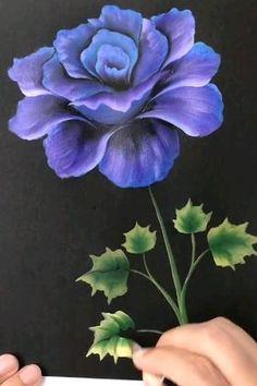 Canvas Painting Tutorials, Diy Canvas Art, Diy Painting, Painting Patterns, Fabric Painting, Acrylic Painting Flowers, Painting Flowers Tutorial, Easy Flower Painting, Watercolor Flowers