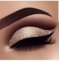 The perfect cut crease #weddingmakeup