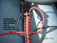 How to Make a Paracord Dog Collar (Double King Cobra Knot) | Look What Mommy Made