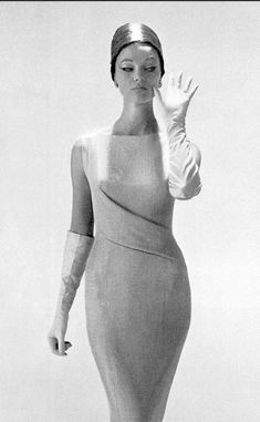 1959 Ivy Nicholson in matte jersey sheath by Jacques Heim, hat by Jacques Heim-Svend