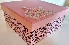 Caixa mdf decorada com pérolas.