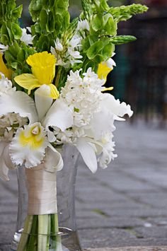 Isn't this bouquet with Daffodils just beautiful?